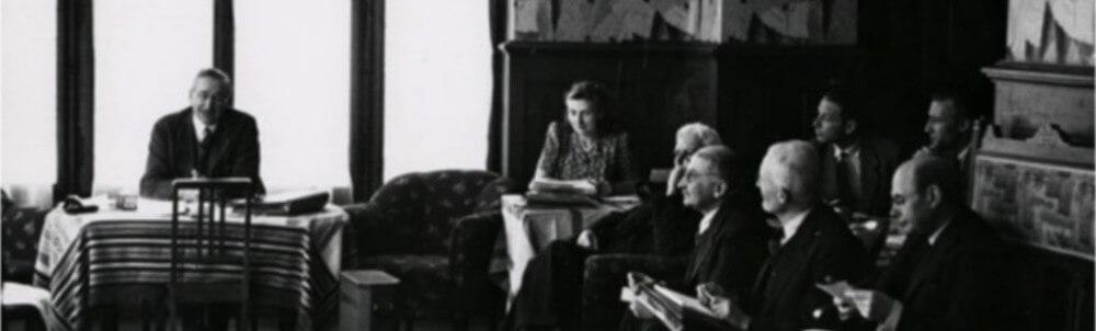 Fotografia da primeira reunião da Sociedade Mont Pelerin