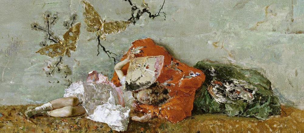 Pintura de uma menina deitada sobre uma almofada com um leque na mão