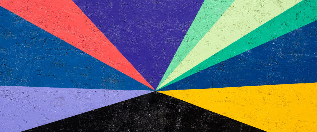 Grafito com várias cores em padrão geométrico