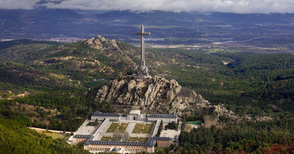 Fotografia do Valle de los Caídos e paisagem circundante